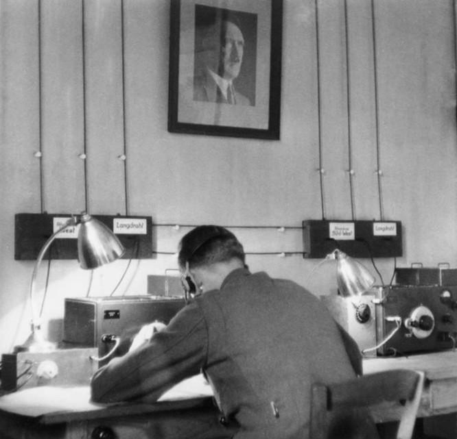 Huyền thoại về điệp viên hai mang Aleksandr Demyanov của Liên Xô trong Thế chiến II ảnh 1