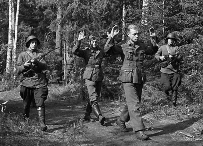 Huyền thoại về điệp viên hai mang Aleksandr Demyanov của Liên Xô trong Thế chiến II ảnh 3