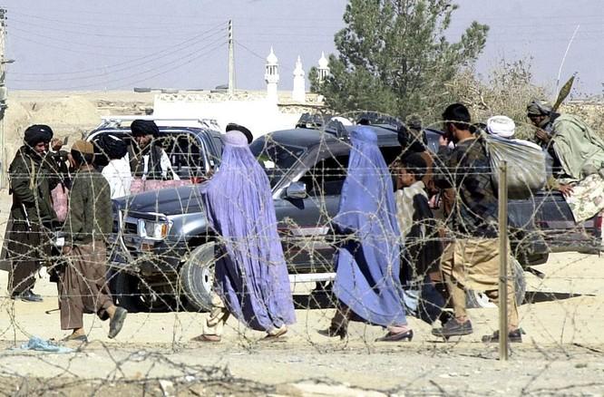 """Phụ nữ Afghanistan lo sợ trở về """"thời kỳ đen tối"""" dưới ách cai trị của Taliban ảnh 1"""