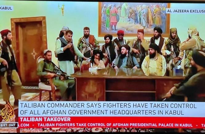 Ảnh: Chiến binh Taliban giành kiểm soát phủ Tổng thống Afghanistan ảnh 5