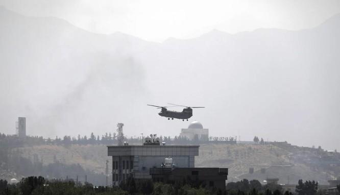 """Những bức ảnh chấn động về Afghanistan có thể """"bôi đen"""" di sản của Tổng thống Joe Biden ảnh 2"""