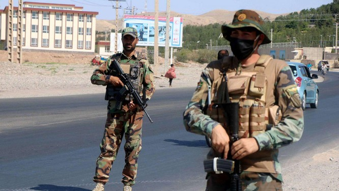 """Giải mã """"Nghệ thuật chiến tranh"""" giúp Taliban chiến thắng như chẻ tre ảnh 2"""