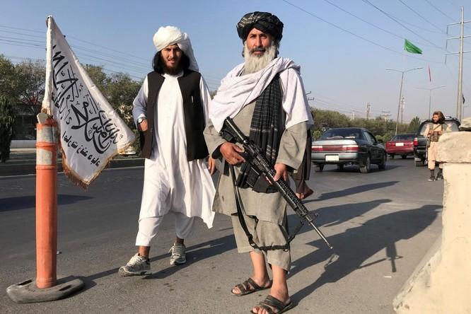 """Giải mã """"Nghệ thuật chiến tranh"""" giúp Taliban chiến thắng như chẻ tre ảnh 1"""