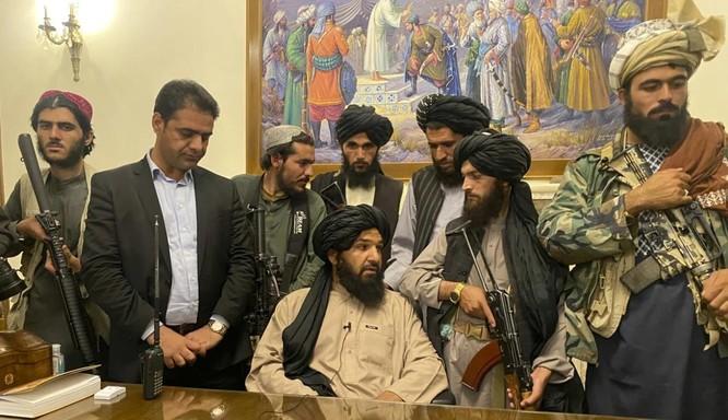 """Những bức ảnh chấn động về Afghanistan có thể """"bôi đen"""" di sản của Tổng thống Joe Biden ảnh 3"""