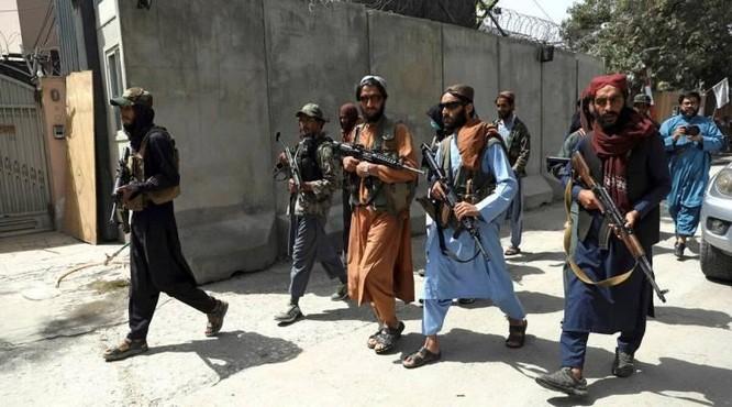 """""""Nguồn lực đen tối"""" giúp Taliban chiến đấu ròng rã suốt 20 năm với quân đội Mỹ là gì? ảnh 2"""