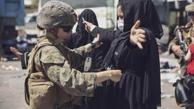 Mỹ sắp hoàn tất kế hoạch rút quân, Taliban sẵn sàng tiếp quản sân bay Kabul ảnh 1