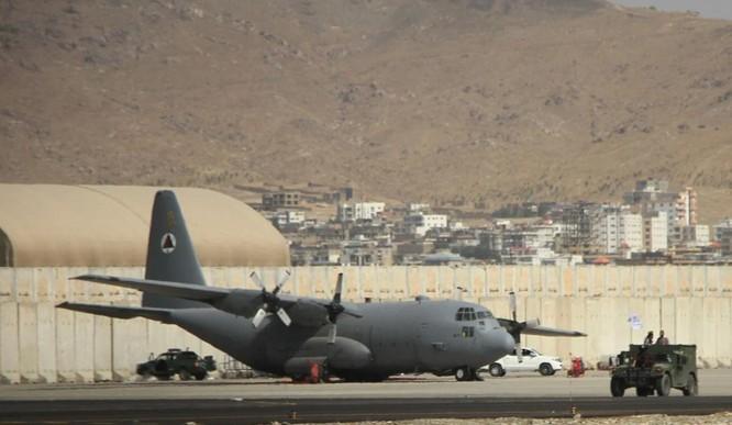 Cận cảnh những trang thiết bị quân sự xa xỉ mà Mỹ bỏ lại ở Afghanistan ảnh 5