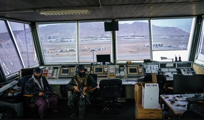 Cận cảnh những trang thiết bị quân sự xa xỉ mà Mỹ bỏ lại ở Afghanistan ảnh 6