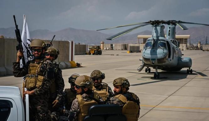 Cận cảnh những trang thiết bị quân sự xa xỉ mà Mỹ bỏ lại ở Afghanistan ảnh 3