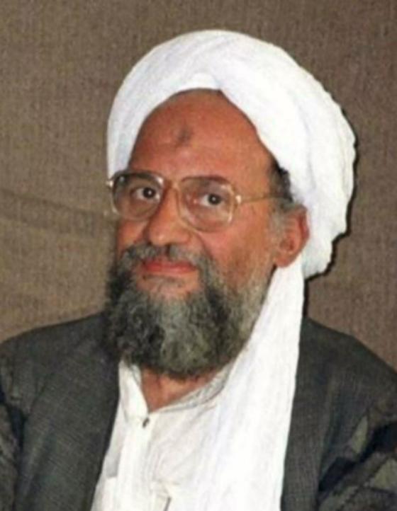 """Thủ lĩnh al-Qaeda """"đội mồ"""", xuất hiện trong đoạn băng đăng tải ngày 11/9! ảnh 1"""