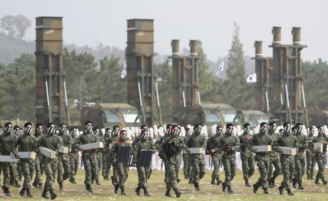 """""""Nóng"""" chạy đua vũ trang ở châu Á: Các nước tấp nập mua sắm và phát triển vũ khí mới ảnh 3"""