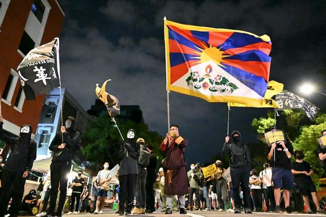 Người Đài Loan điềm tĩnh trước sự đe dọa từ Trung Quốc, tại sao? ảnh 2