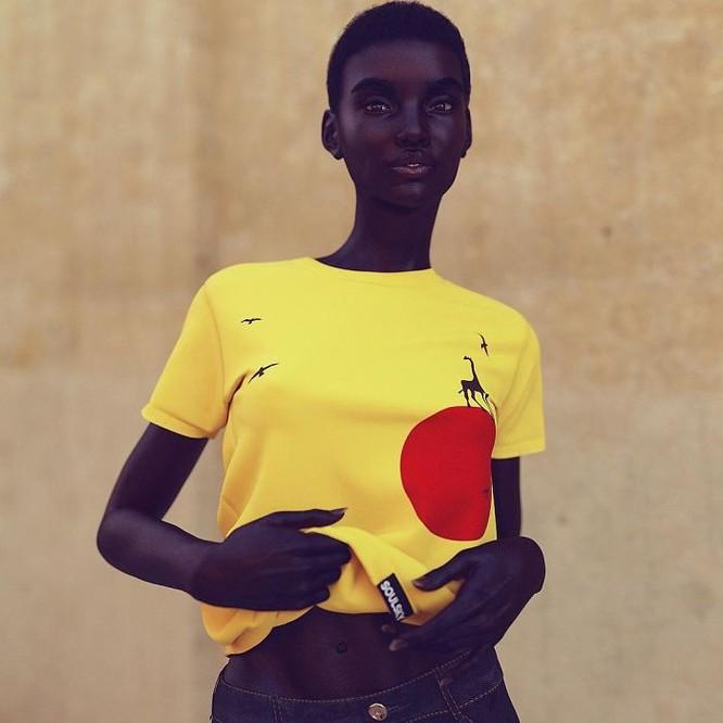 """""""Viên ngọc trai đen"""" nổi bật giữa dàn người mẫu nhờ công nghệ 3D ảnh 10"""