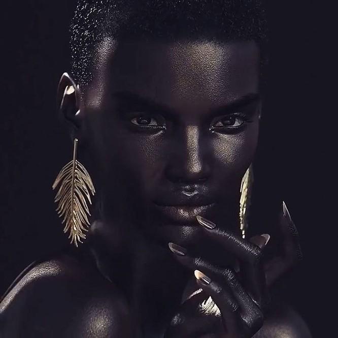 """""""Viên ngọc trai đen"""" nổi bật giữa dàn người mẫu nhờ công nghệ 3D ảnh 7"""
