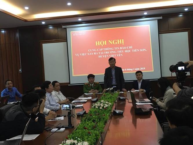 """""""Mờ"""" chứng cứ trong vụ thầy giáo bị tố dâm ô nữ sinh ở Bắc Giang"""