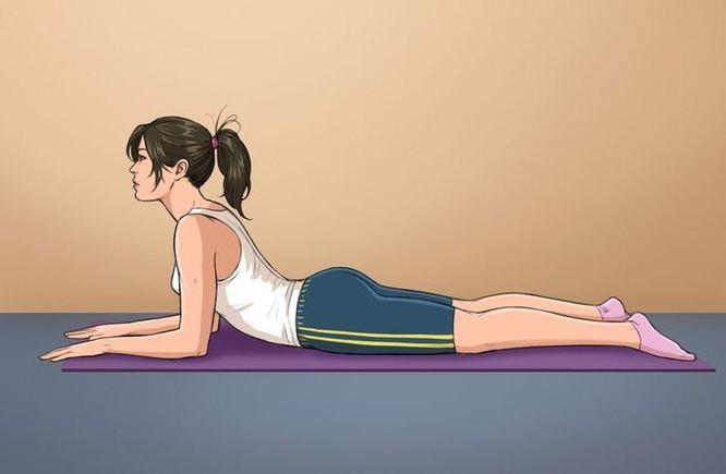 10 tư thế yoga trị đau lưng hiệu quả tại nhà ảnh 7