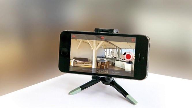 3 bước tự chế camera an ninh bằng điện thoại cũ ảnh 1