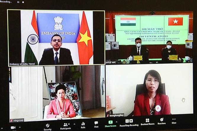 Việt Nam trao tặng 100 máy thở cho nhân dân Ấn Độ ảnh 1