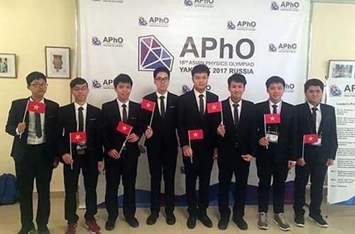 7 thí sinh của đội tuyển quốc gia Việt Nam tham dự kỳ thi Olympic Vật lý châu Á lần thứ 18 đã đoạt được các huy chương vàng, bạc và bằng khen.