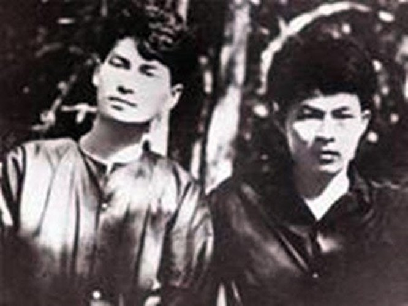 Lê Anh Xuân (trái) và nhà văn Anh Đức