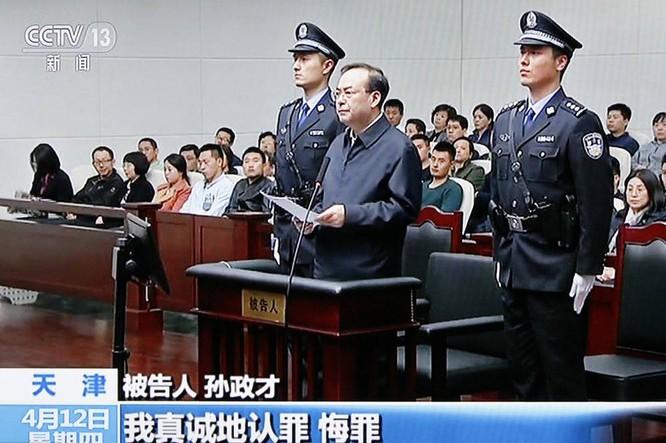 Cựu Ủy viên BCT Trung Quốc nhận án chung thân ảnh 1