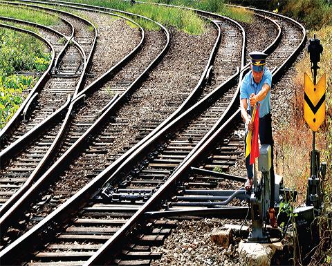 Công tác bảo đảm an toàn đường sắt đang bị xem nhẹ? (bài 2) ảnh 1
