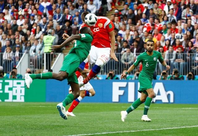 """Đè bẹp Arabia Saudi 5 - 0, các """"chú Gấu"""" Nga bỏ túi 3 điểm đầu tiên ảnh 3"""