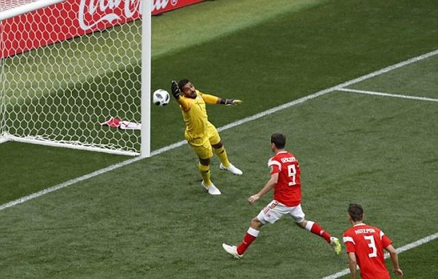 """Đè bẹp Arabia Saudi 5 - 0, các """"chú Gấu"""" Nga bỏ túi 3 điểm đầu tiên ảnh 1"""