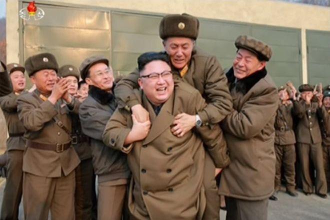 Bài 1: Kim Jong Un đã trở thành nhân vật nổi bật trên bàn cờ chính trị thế giới ảnh 4