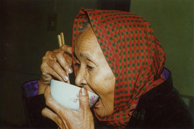 Mẹ - nguồn cảm hứng bất tận trong sáng tác của Trần Hồng ảnh 10