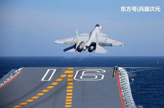 Trung Quốc sẽ loại bỏ máy bay cất hạ cánh trên hạm J-15, vì sao? ảnh 1