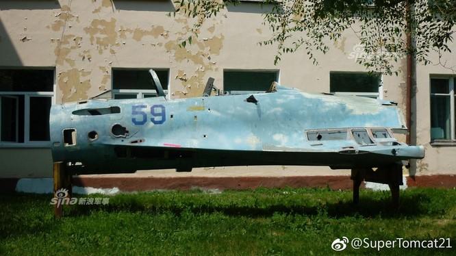 Trung Quốc sẽ loại bỏ máy bay cất hạ cánh trên hạm J-15, vì sao? ảnh 4