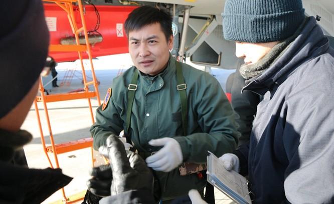 Trung Quốc sẽ loại bỏ máy bay cất hạ cánh trên hạm J-15, vì sao? ảnh 3