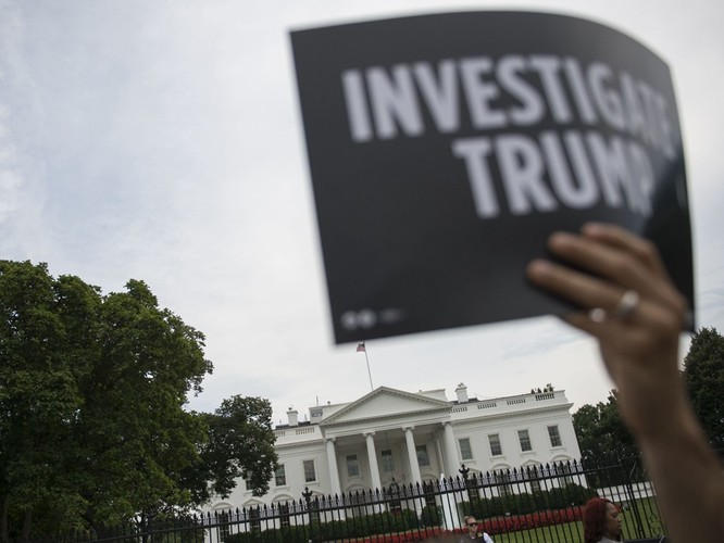 Nước Mỹ dậy sóng về cuộc gặp gỡ Trump – Putin ảnh 2