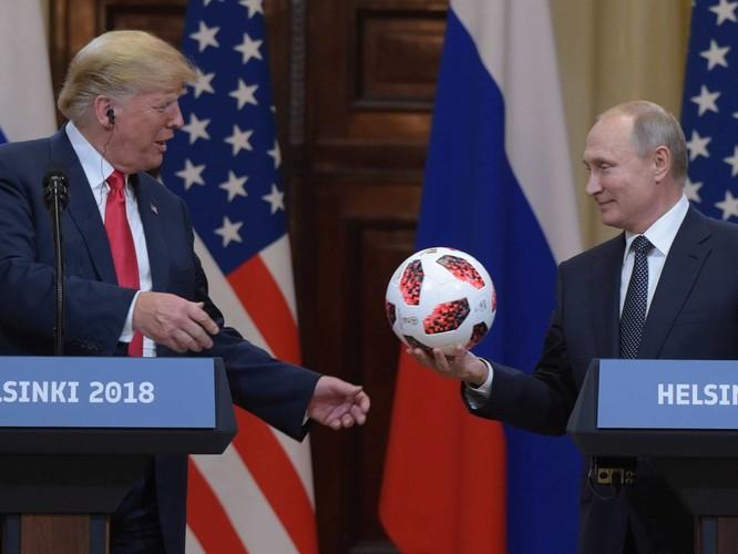 Nước Mỹ dậy sóng về cuộc gặp gỡ Trump – Putin ảnh 3