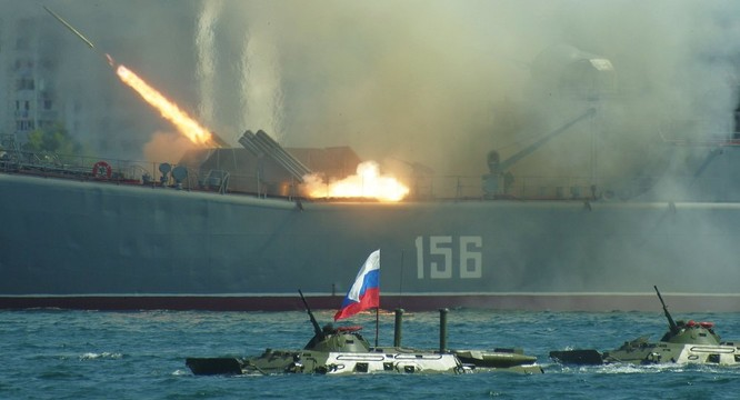 """""""Trung Quốc không quan tâm đến việc có một nước Nga đồng minh mạnh mẽ, họ chỉ quan tâm đến Nga như một thuộc địa"""" ảnh 2"""