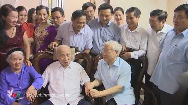 """Tổng bí thư, Chủ tịch nước Nguyễn Phú Trọng là mẫu người """"cần, kiệm, liêm chính, chí công, vô tư"""" ảnh 2"""