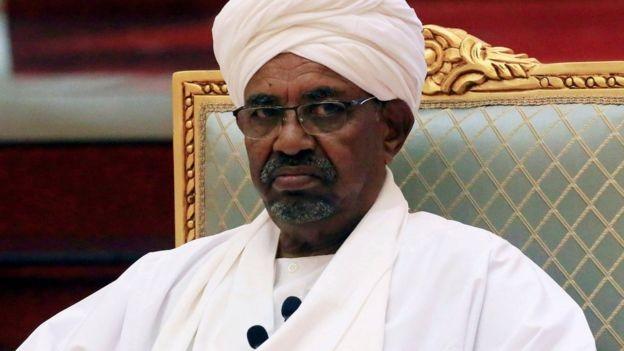 Đảo chính quân sự ở Sudan: Tổng thống Omar al-Bashir bị phế truất và bắt giữ ảnh 2