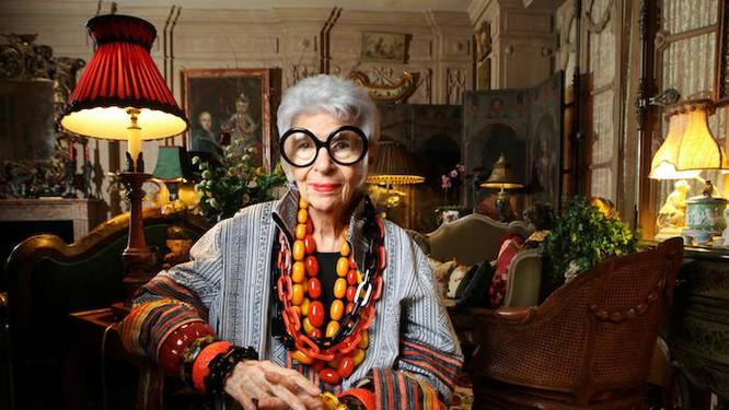 """Cụ bà 97 tuổi - """"con chim quý"""" của thế giới thời trang ảnh 2"""