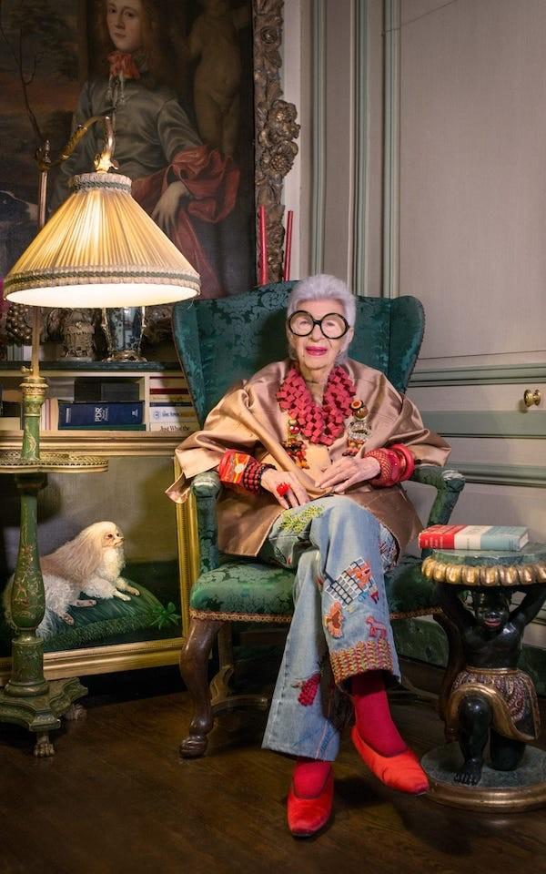 """Cụ bà 97 tuổi - """"con chim quý"""" của thế giới thời trang ảnh 4"""