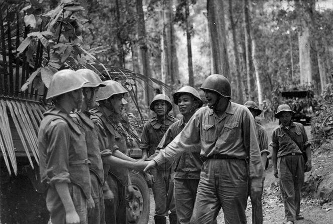 """Trăm phương ngàn kế, Mỹ không thể """"nút kín"""" Đường mòn Hồ Chí Minh ảnh 1"""