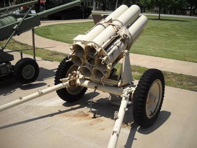"""Đức từng sản xuất súng cối 6 nòng Nebelwerfer đối chọi với BM-13-""""Katyusha"""" của Liên Xô ảnh 4"""