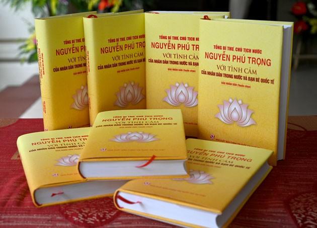 """Ra mắt tác phẩm """"Tổng Bí thư, Chủ tịch nước Nguyễn Phú Trọng với tình cảm của nhân dân trong nước và bạn bè quốc tế"""" ảnh 1"""