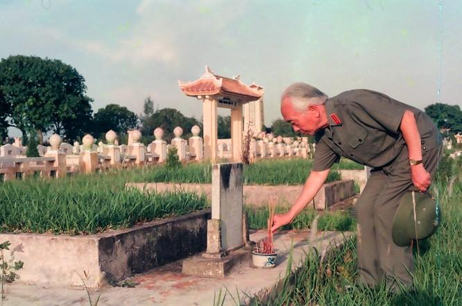 Nghệ sĩ Trần Hồng và hành trình đưa Mẹ và Đại tướng tới Ba Lan ảnh 6
