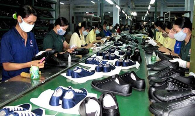 Da giày Việt Nam: mục tiêu xuất khẩu 24 tỷ USD của năm 2020 bên bờ vực phá sản ảnh 1