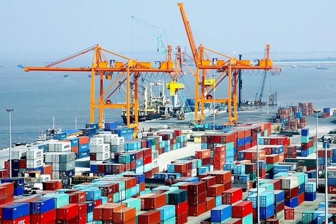 Việt Nam có thể rơi vào 3 rủi ro nếu chậm mở cửa lại kinh tế ảnh 2