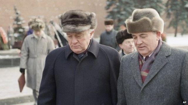 Ai đã đưa Shevardnadze lên vị trí Bộ trưởng Ngoại giao Liên Xô? ảnh 4
