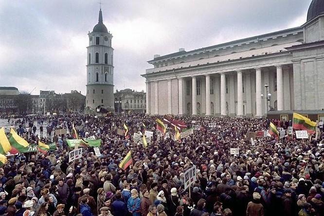 Vì sao không ai đứng ra cứu Liên Xô? ảnh 1