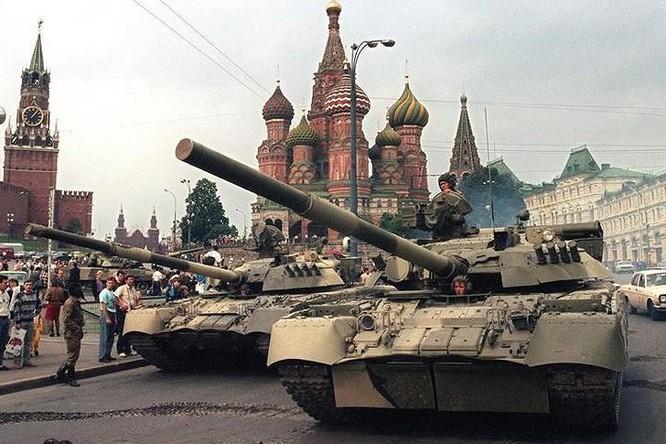 Vì sao không ai đứng ra cứu Liên Xô? ảnh 3