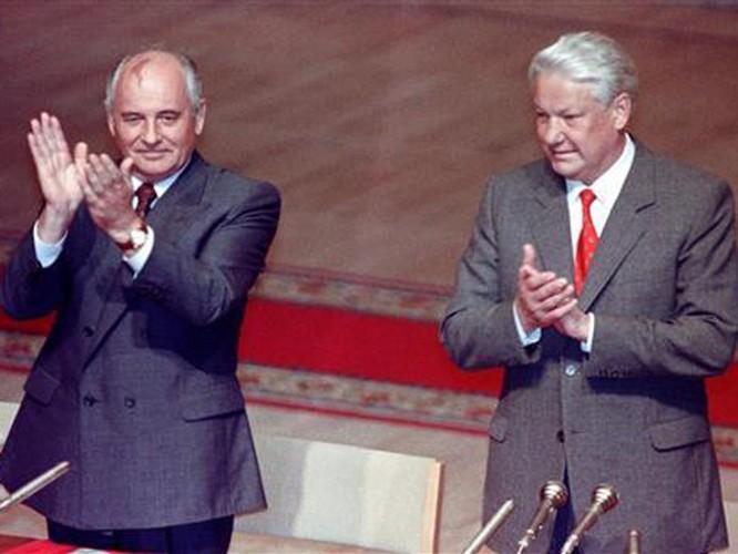 """Lần đầu tiết lộ: Giữa """"bầy sư tử"""" ai lách đưa """"cừu non"""" Gorbachev lên đỉnh cao quyền lực? ảnh 3"""